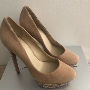 B by Brian Atwood platform  pump crystal size 9